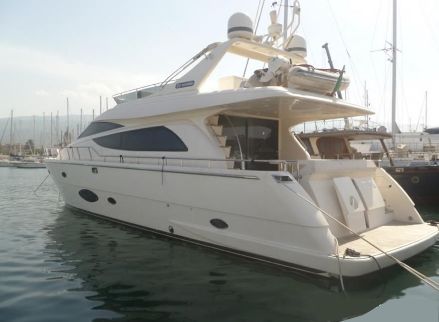 powerboat rental taormina uniesse 65